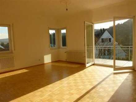 Großzügige 3,5-Zi-Whg in Baden-Baden nahe SWR, 2 Balkone, Tageslichtbad, Garage