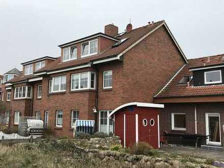 Exklusive, gepflegte 3-Zimmer-DG-Wohnung mit EBK in Wittdün auf Amrum