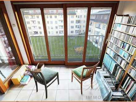 Stmmungshoch: 2 Zimmer Dachgeschosswohnung mit Wintergarten