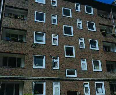 Erstbezug nach Sanierung mit Balkon: ansprechende 2-Zimmer-Wohnung in Barmbek-Süd, Hamburg