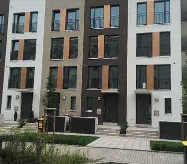 Erstbezug. Townhouse im Dresdner Szene-Stadtteil Neustadt! Hochwertige 5-Zimmer-Wohnung zu vermieten
