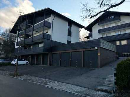 Freie, attraktive 2,5- Zimmer Wohnung  zentral  gemütlich  großzügig  2 große sonnige Balkone