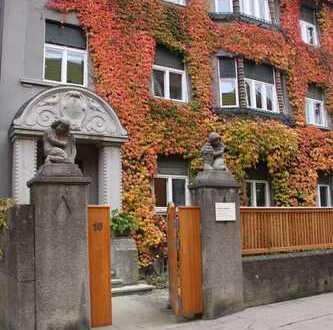 Mitten in der Stadt und trotzdem im Grünen - Charmante 4-Zimmer Jugendstilwohnung