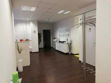 Nachmieter für Praxisräume in Ärztehaus (Neubau) in KA gesucht