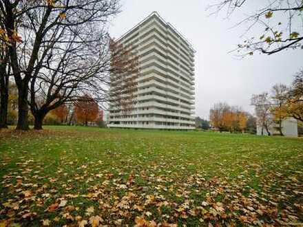 Schöne Lage in Bogenhausen über dem Herzogpark - 2-Zimmerwohnung mit großem Balkon / Westausrichtung
