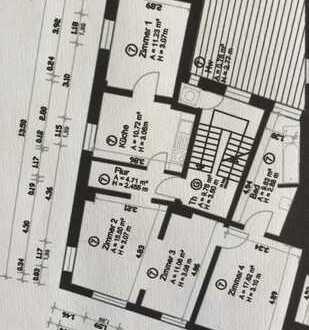 geräumige Altbauwohnung mit hohen Decken