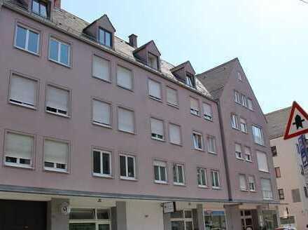 Sanierte Singlewohnung in der Altstadt ++ ca. 52 qm ++ 2 ZKB ++ Gesamtmiete 688,- EUR