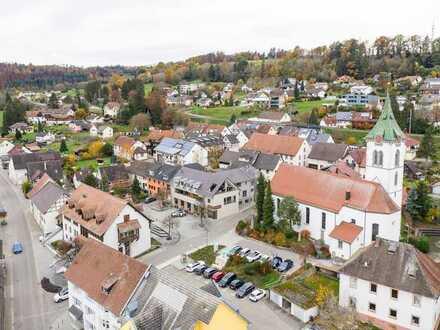 Investmentchance: Hochwertiges WGH m. 5 Wohn- u. einer Gewerbeeinheit nahe schweizerischer Grenze