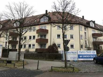 Helle, sonnige, gepflegte 2-Zimmer-Wohnung mit Balkon in Augsburg-Univiertel