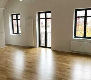 Erstbezug nach Sanierung: stilvolle 4,5-Zimmer-Maisonette-Wohnung mit Loggien in Karlsruhe