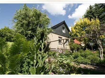 RESERVIERT: Einfamilienhaus inklusive Vollkeller, Tiefgarage, Wintergarten und Nebengelass in Ora...