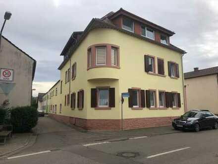 Gepflegte 4-Zimmer-Wohnung mit Balkon und Gäste WC in Worms-Heppenheim