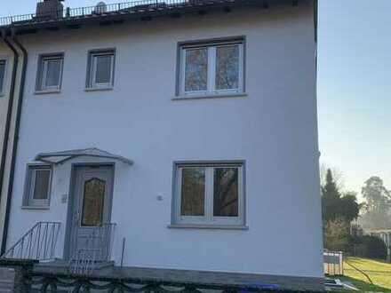 Großes 1-2 Familienhaus mit Garten und Einliegerwohnung im Dachgeschoss !