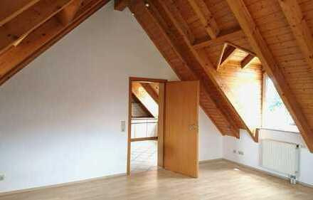 Gepflegte 1-Zimmer-Dachgeschosswohnung mit Einbauküche in Mörlenbach