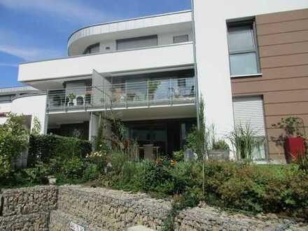 Neuwertige, modern möblierte Wohnung für Wochenendheimfahrer/in