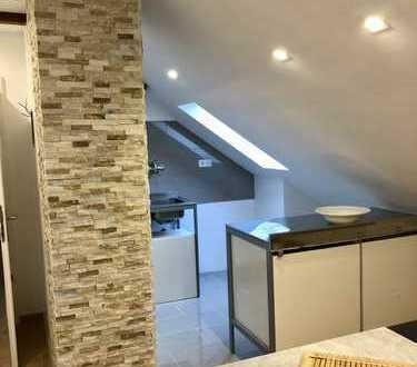 charmante vollständig renovierte 3-Zimmer-DG-Wohnung in Düsseldorf-Gerresheim