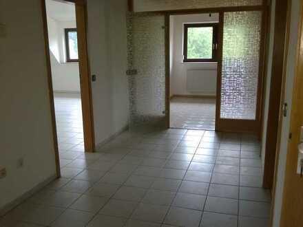 Geräumige und günstige 3-Zimmer-Dachgeschosswohnung in Aalen-Waiblingen