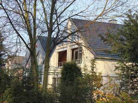 Schöne, geräumige drei Zimmer Wohnung in Köln, Sürth