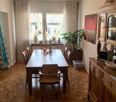 Seltene Gelegenheit: Sehr gemütliche Wohnung im beliebten Kreuzviertel, 214.000, 74 m², 2,5 Zimmer