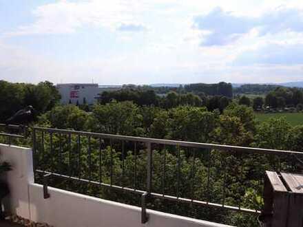 Charmante 3-Zimmer Wohnung mit EBK, Balkon, Stellplatz