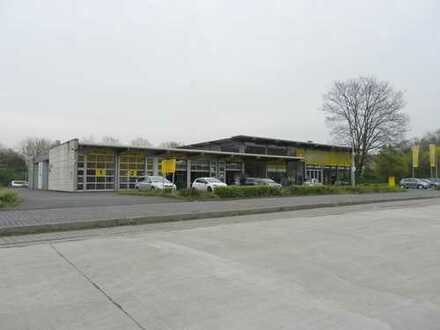 Freistehende Gewerbeeinheit mit ca.46 Parkplätzen - Ideal als Autohaus, Werkstatt etc.