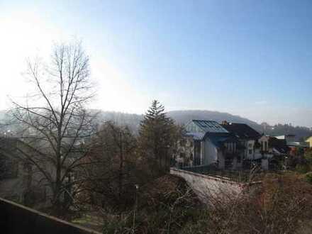 2-Zimmerwohnung mit Dachterrasse und tollem Ausblick in Grötzingen inklusive Einzelgarage