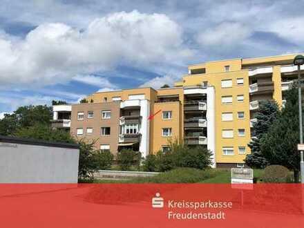 Tolle 3,5-Zimmer-Wohnung mit Wintergarten und Tiefgaragenstellplatz in Freudenstadt