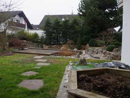 Für Gartenfreunde: Gepflegte 5-Zimmer-Wohnung mit Einbauküche in Gaimersheim