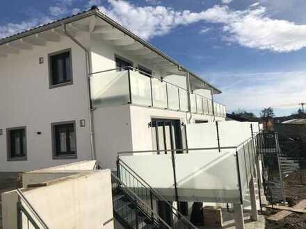 Erstbezug großzügige Doppelhaushälfte mit Garten, Balkon und Terrassen