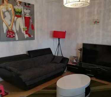 Schöne drei Zimmer Wohnung mit Dachloggia mit eigenem Stellplatz in Elsenfeld/Miltenberg (Kreis)
