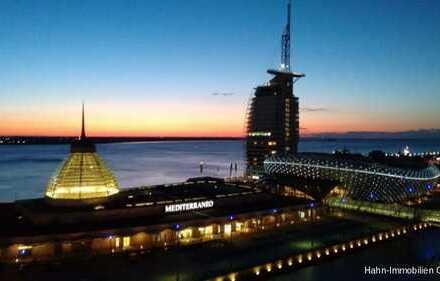 LUXUS ETW IN BREMERHAVEN MIT AUSBLICK FAST BIS NEW YORK, BALKON, POOL, EINKAUFSCENTER ALLES DABEI...
