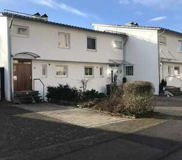 Renovierte, großzügige Doppelhaushälfte in Markdorf !!