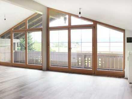 Exklusive u. sanierte 135 qm große 4-Zimmer DG Wohnung mit drei Balkonen in Rimsting
