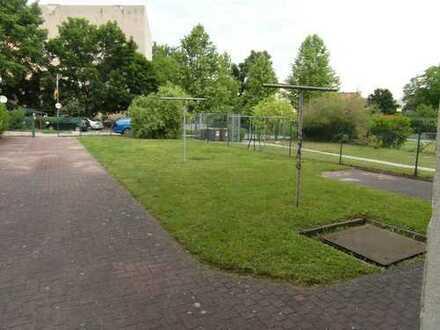 Helle, gemütliche Wohnung mit großem Hof in Bahnhofsnähe!