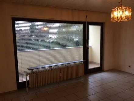 1-Zimmer-EG-Wohnung mit Balkon in Karlstein