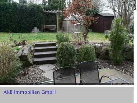moderne 2 Zimmer Wohnung mit Terrasse, eigenem Gartenbereich u. Stellplatz