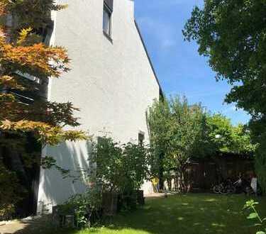 Schönes Reiheneckhaus mit Traumgarten in München (Kreis), Aschheim