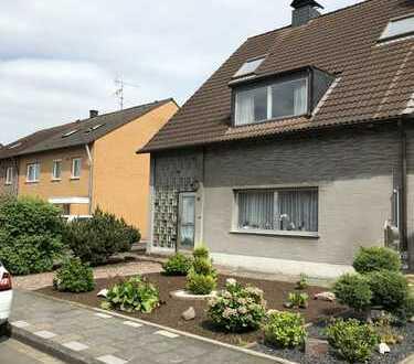 Schicke Doppelhaushälfte mit Garten und Garage