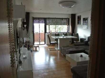 Gepflegte 3-Zimmer-Wohnung mit Garage, Balkon und EBK in Hockenheim