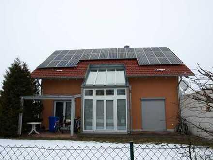 Entspanntes Wohnen garantiert - Einfamilienhaus zum Wohlfühlen - Hervorragende Raumgestaltung