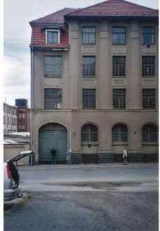 Historisches Gebäude 1910 (ehem. Korsettfabrik) mit Nebengebäude, 2.720 m² Grundstück, Nur 79.000 €