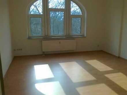 Ostvorstadt - kleine & gepflegte 2 Zimmer-DG-Wohnung mit Balkon!