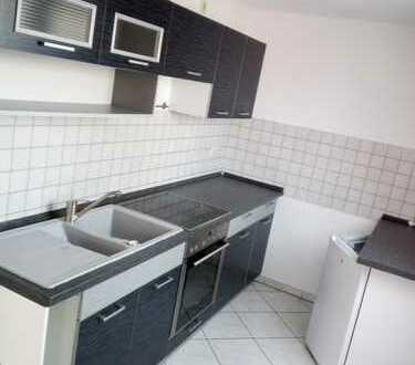 **schöne Dachgschosswohnung mit Einbauküche in Zwickau-Planitz ab sofort frei**