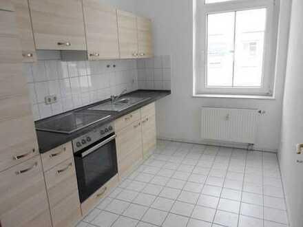++ 3-Raum-Wohnung im Stadtzentrum mit Einbauküche und Tageslichtbad ++
