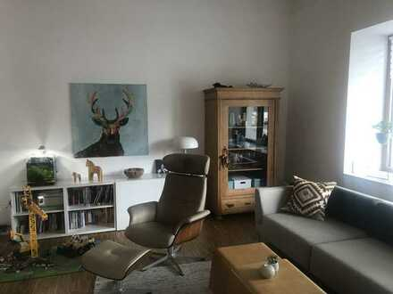 Sonnige, großzügige Wohnung im kernsanierten Altbau, Energieeffizienzhaus