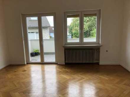 Moltkeviertel, 155 qm, 5,5-Zi.Altbau, West-Balkon, WohnEinbauküche,Garage, next International School