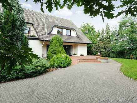 Landhaus mit Gästehaus und Remise