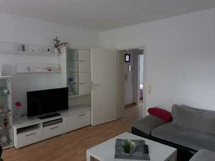 Gepflegte 3-Zimmer-Erdgeschosswohnung mit Balkon und EBK in Renningen zu vermieten