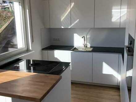 Erstbezug nach Sanierung: stilvolle 4-Zimmer-Wohnung mit EBK in Jugenheim
