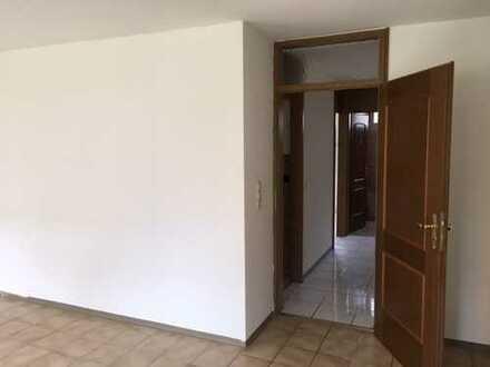 Perfekt geschnittene, 3-Zimmer Wohnung zum selbst beziehen!!! Jedes Zimmer mit Balkon